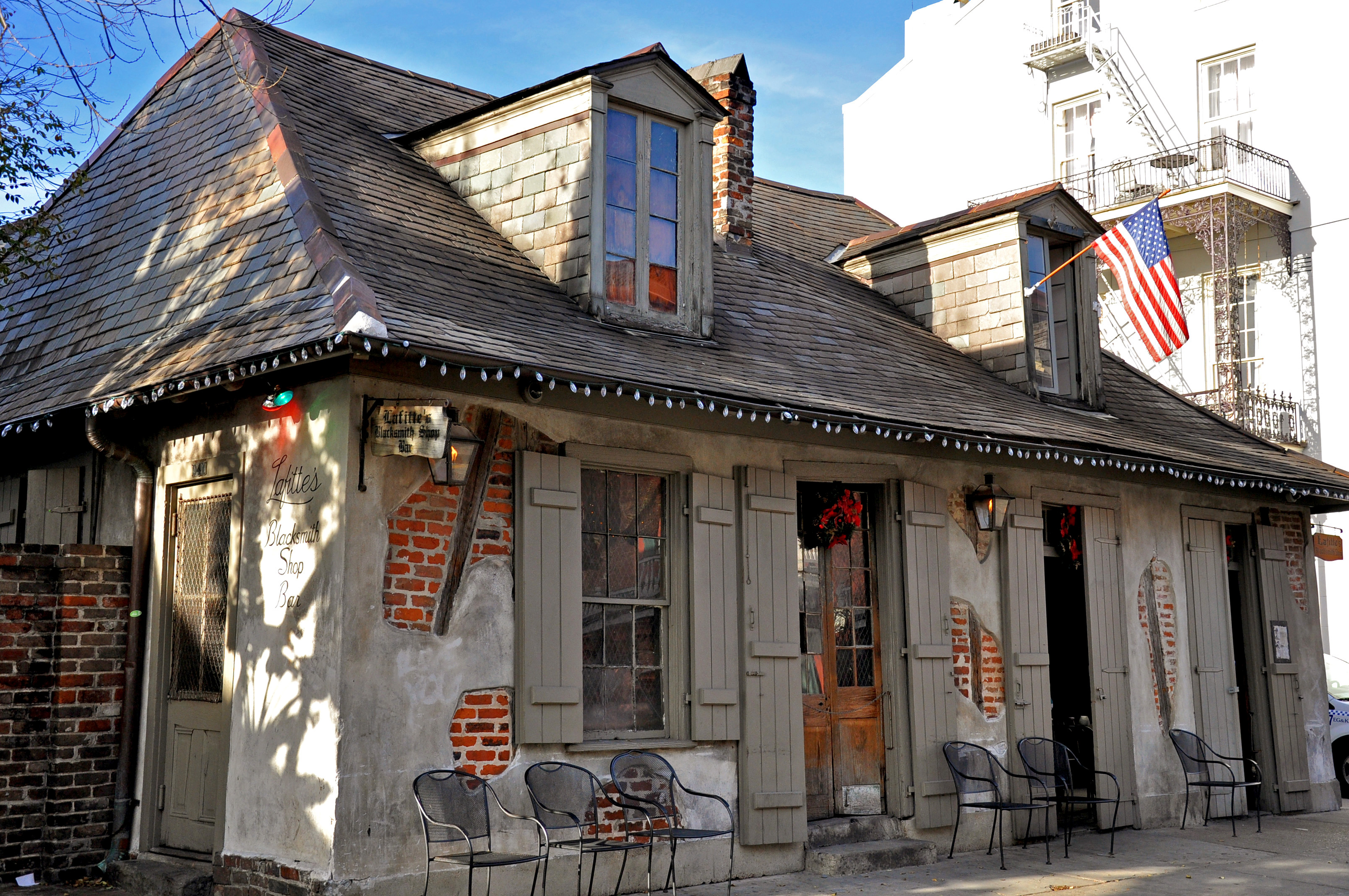 Is Lafitte S Blacksmith Shop The Oldest Bar In The Country